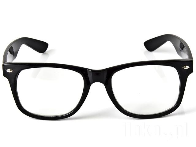 Wada wzroku – wybrać szkła kontaktowe czy jednak okulary?